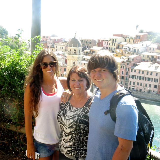Lori, Taylor & Kevin in Italy - Travelive Reviews