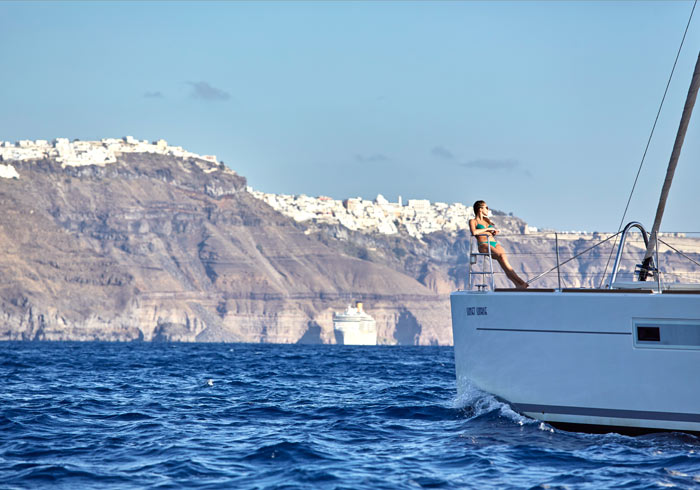 Luxury Catamaran cruise – Santorini Honeymoon packages created by Travelive, luxury travel