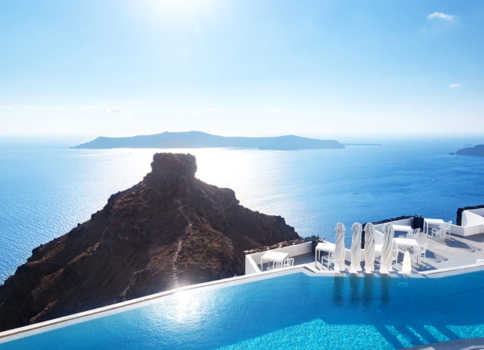 Pool with caldera view – Greek Dream, Athens, Santorini, Mykonos package