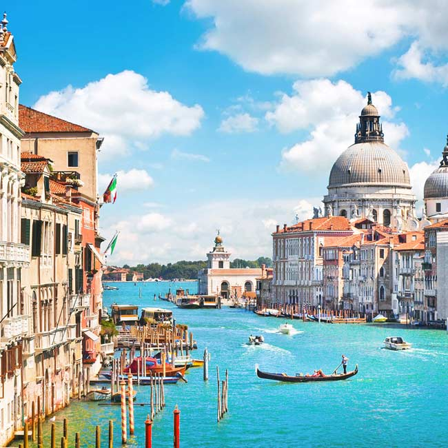 Grand Canal – Venice, Top destinations in Italy, Gondola rides with Travelive packages