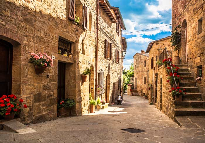 Tuscany Village – Tuscany honeymoon packages with Travelive, Romantic Tuscany luxury