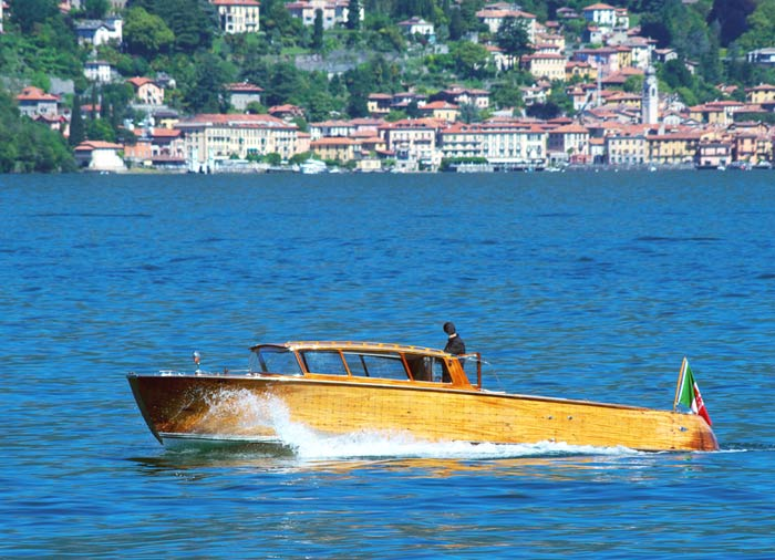 Speedboat – Lake Como Honeymoon packages with Travelive, romantic luxury travel agency