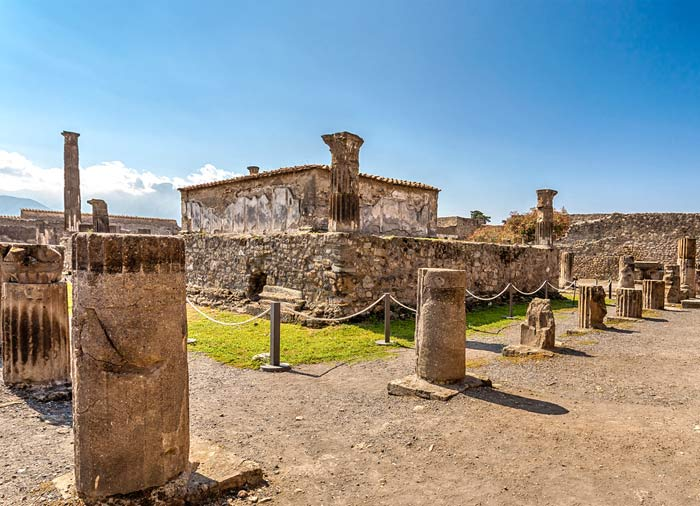 Pompeii Ruins - Rome to Amalfi Coast tour package with Travelive, luxury travel agency