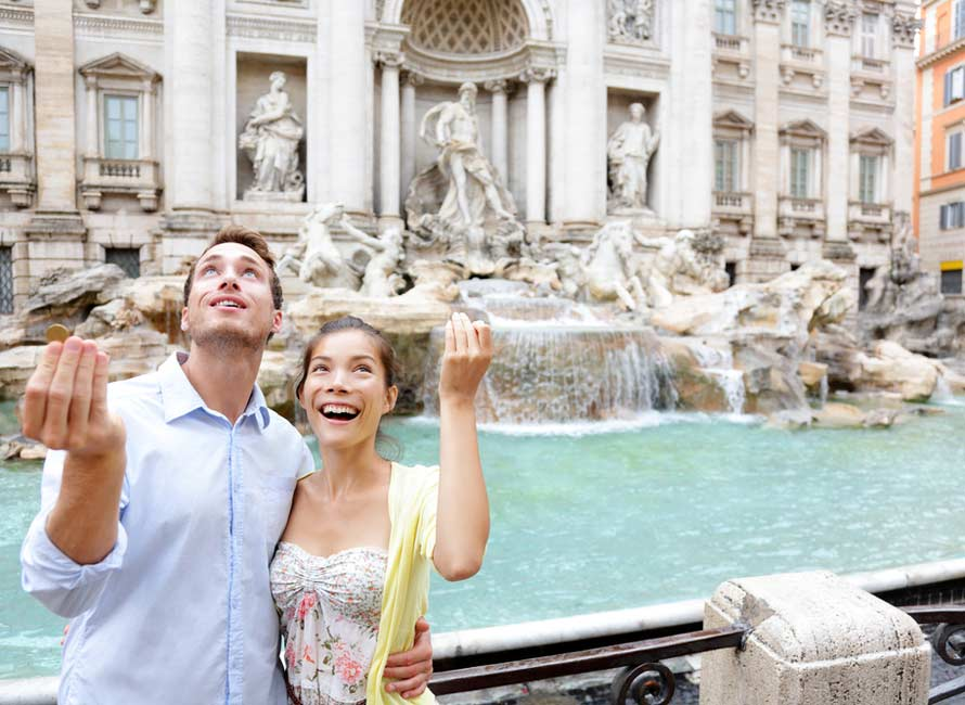 Couple at Trevi fountain, Luxury Honeymoon Packages, Travel to Italy