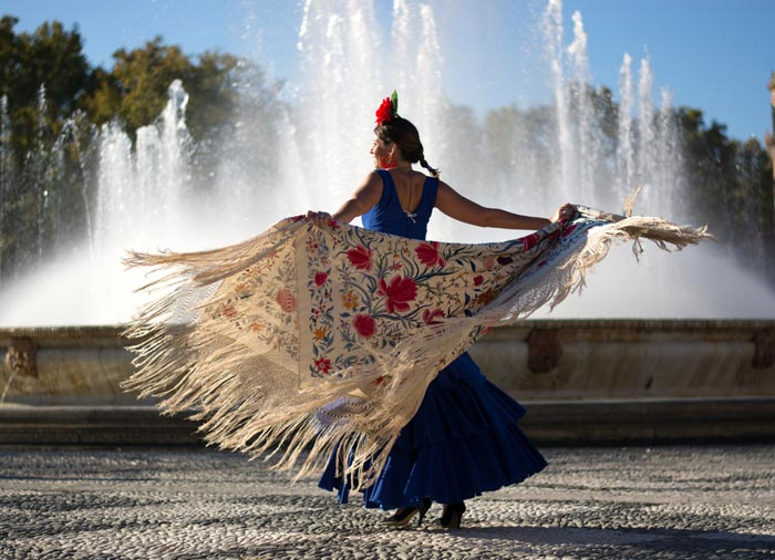 Woman Dancing Flamenco – Seville Cordoba Granada tours with Travelive