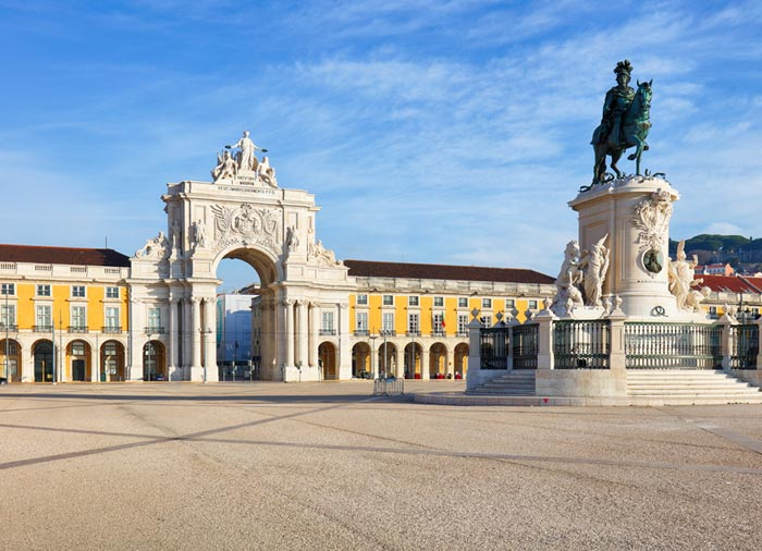 Rua Augusta Arch – Commerce Square, Lisbon honeymoon tours with Travelive, Romantic luxury