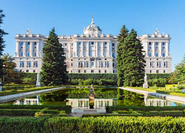 Royal Palace – Madrid honeymoon tours with Travelive, luxury travel agency